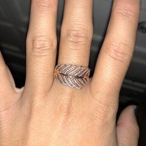 8b9f11b83e018 Pandora rose gold feather ring